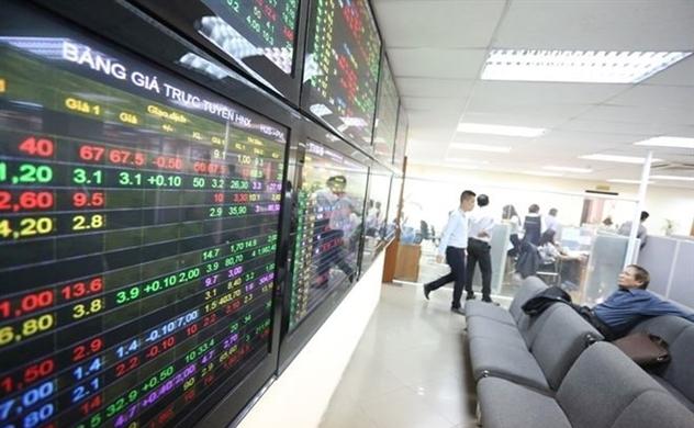 Dòng vốn đảo chiều vào cổ phiếu, vui nhưng vẫn phải thận trọng