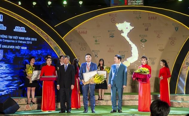 """Unilever Việt Nam được vinh danh """"top 10 doanh nghiệp bền vững nhất Việt Nam 2019"""""""