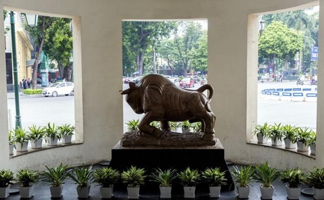 Bloomberg: Cổ phiếu Việt Nam đang rẻ, nhưng nhà đầu tư nước ngoài lại không có nhiều cơ hội mua vào vì thanh khoản thấp