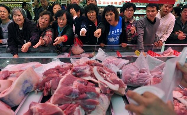 Trung Quốc tiếp tục xả kho 40.000 tấn thịt lợn
