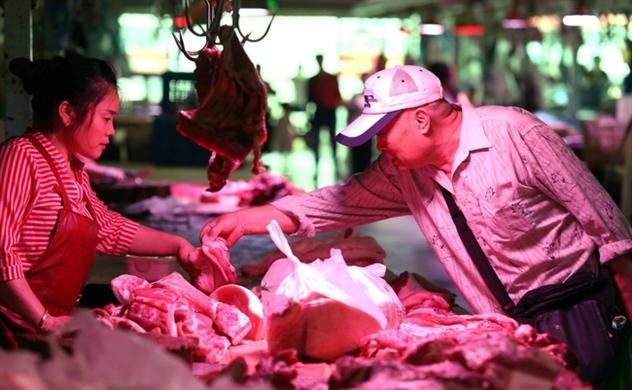 """Khủng hoảng thịt lợn khiến tài sản của nhiều """"đại gia"""" Trung Quốc tăng vọt"""