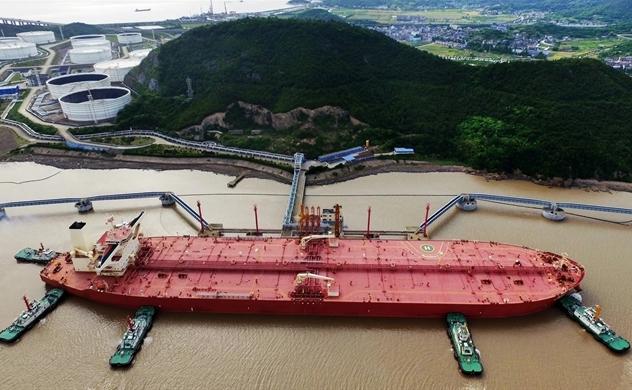 Thương chiến và đồng USD đe dọa an ninh dầu khí tại Châu Á trong năm 2020