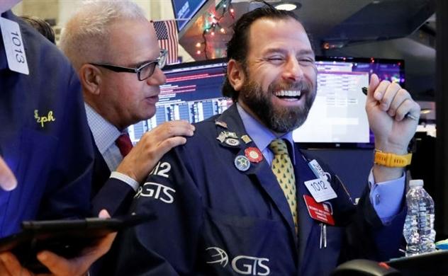 Giá trị vốn hóa các thị trường chứng khoán toàn cầu đã tăng 17.000 tỷ USD trong năm 2019