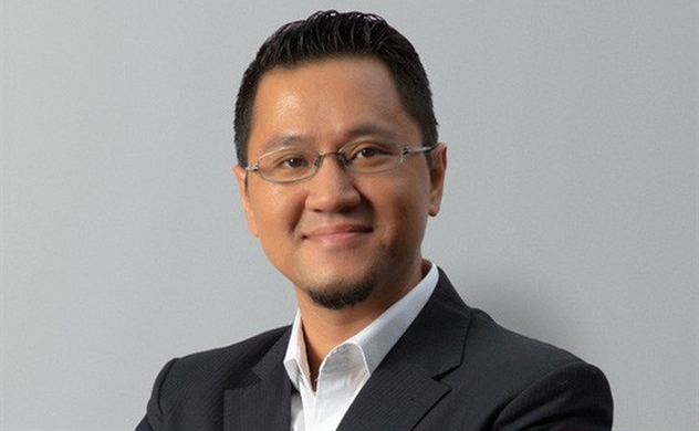 Đồng sáng lập, CEO chuỗi cửa hàng giày Juno từ nhiệm