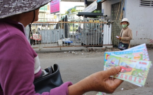Vietnam's traditional lottery firm reports profit despite computerized rival