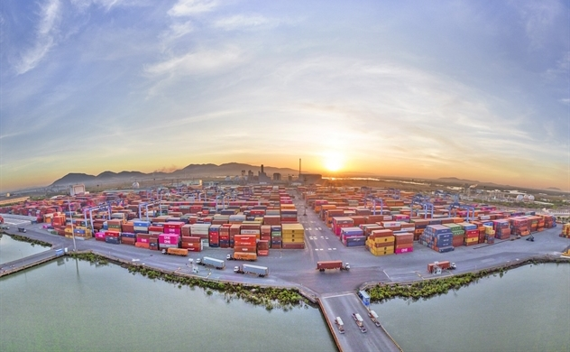 Vietnam's trade deficit with China widens to $34 billion in 2019