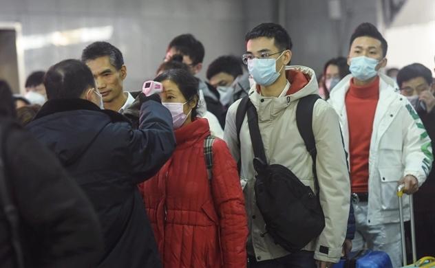Trung Quốc báo cáo 25 trường hợp tử vong vì dịch viêm phổi cấp do virus corona, WHO chưa ban bố tình trạng khẩn cấp quốc tế
