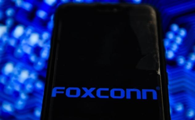 Foxconn tự sản xuất khẩu trang, buộc nhân viên trở lại Trung Quốc để tiếp tục sản xuất