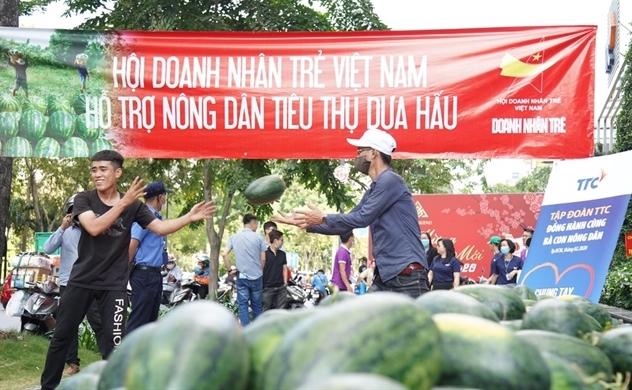 Hội Doanh nhân trẻ Việt Nam và Cán bộ Nhân viên Tập  đoàn TTC hỗ trợ tiêu thụ 40 tấn nông sản