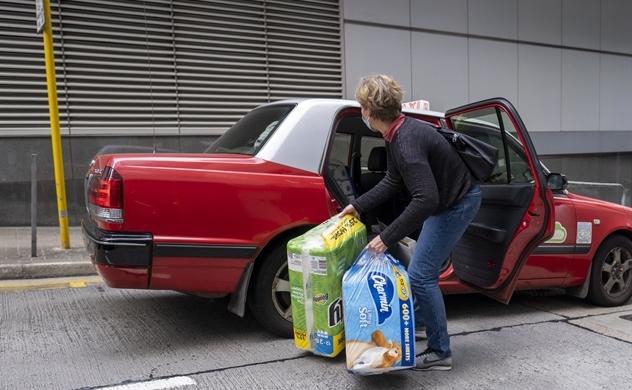 Thời virus corona, giấy vệ sinh trở thành món quà đắt giá ở Singapore và Hồng Kông (Trung Quốc)