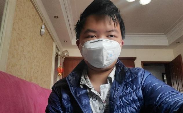 """""""Cứ như gõ cửa tử thần"""": Nhật ký hành trình bị nhiễm virus corona của một thanh niên Vũ Hán"""