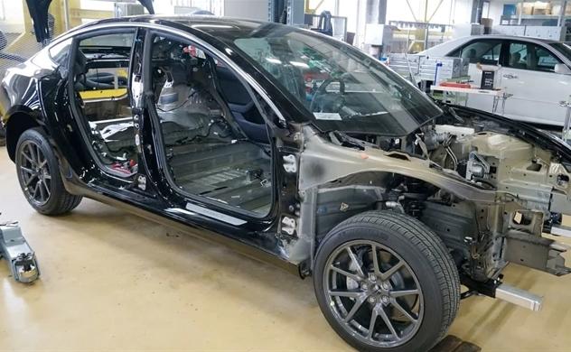 Bóc tách chiếc Tesla mới thấy Công nghệ điện tử của hãng xe Mỹ đi trước Toyota và VW khoảng 6 năm