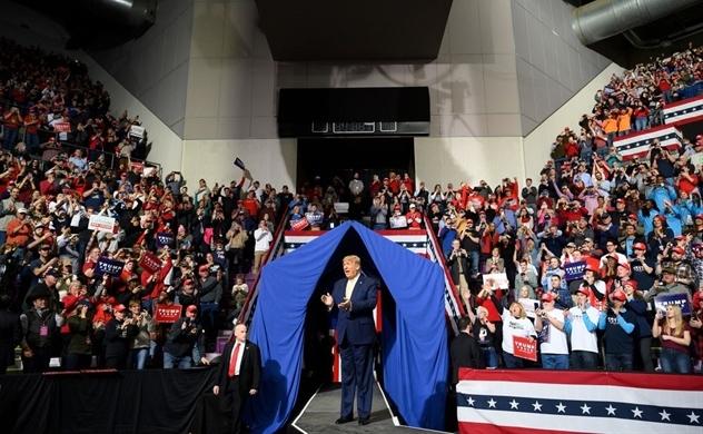 Ông Trump chi mạnh để quảng cáo chiến dịch trên trang chủ YouTube vào ngày bầu cử