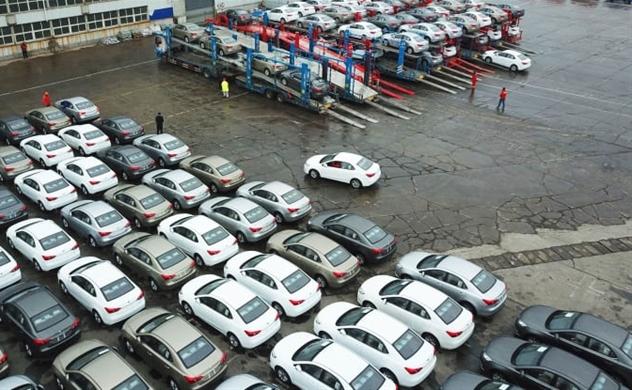 Dịch Covid-19: Doanh số bán xe khách của Trung Quốc giảm 92% trong nửa đầu tháng 2