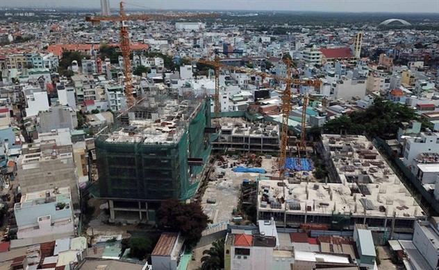 Bất động sản TP.HCM: Thủ tục kéo dài, dự án ách tắc, doanh nghiệp than thiệt hại lớn