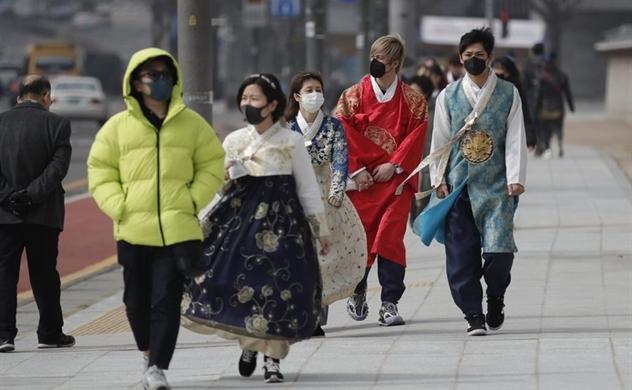 Dịch Covid-19 bước sang giai đoạn mới, số ca lây nhiễm tại Hàn Quốc và Nhật Bản tăng vọt