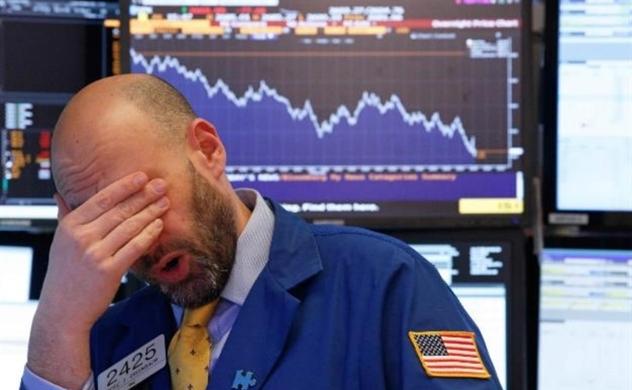 """Nỗi sợ hãi bao trùm, Dow Jones """"bay"""" 1.000 điểm"""