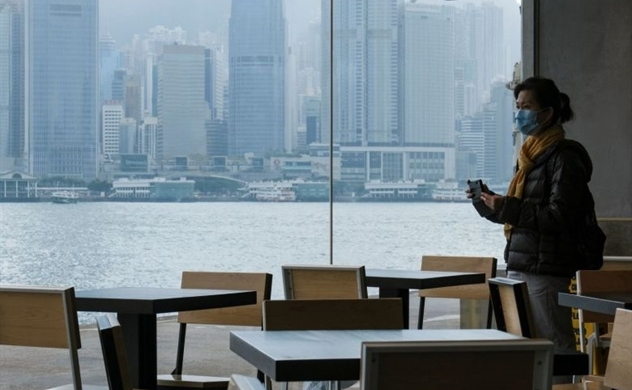 Hong Kong economy to remain in a slump, reporting first deficit in 15 years