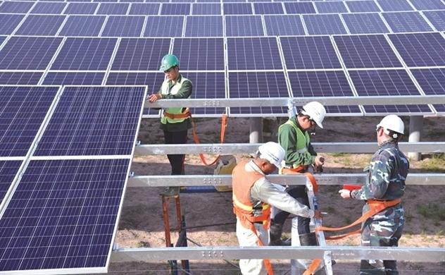 Giá giảm, điện mặt trời còn sáng?