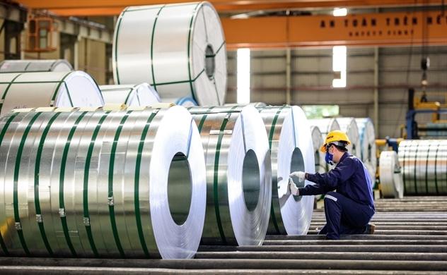 Tôn Hoa Sen mua lại cổ phiếu của nhân viên với giá cao hơn 28% so với thị trường