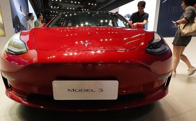 Âm thầm sử dụng chip cũ, Tesla bị người dân Trung Quốc cáo buộc lừa gạt khách hàng và có nguy cơ bị tẩy chay