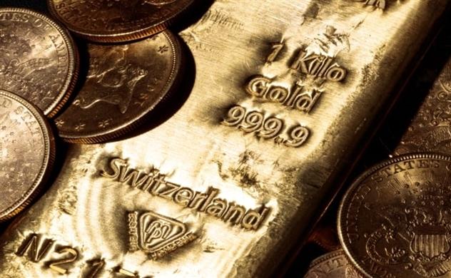 Giá vàng bật tăng khi FED đột ngột giảm lãi suất, phát tín hiệu đáng ngại về kinh tế