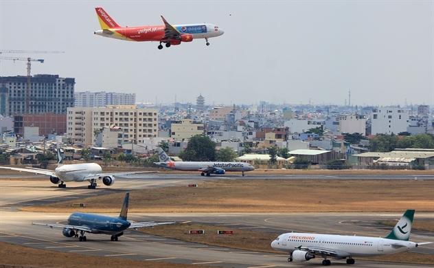 Biên lợi nhuận mỏng manh, các hãng bay Việt Nam trở thành mắt xích yếu nhất trong ngành hàng không dưới tác động của COVID-19