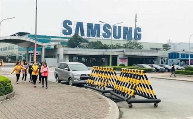 """Samsung """"đau đầu"""" vì lệnh cách ly và hạn chế người Hàn Quốc nhập cảnh của Việt Nam"""