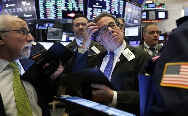 Dow Jones tăng hơn 1.300 điểm, vàng thế giới tăng dựng đứng gần 100 USD