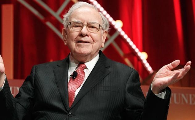 Công ty của Warren Buffett có đủ tiền để mua Tesla, Starbucks hoặc McDonald's sau cú đổ đèo của thị trường