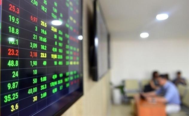 """UBCKNN khiến nghị đưa ngành chứng khoán vào """"dịch vụ thiết yếu"""""""