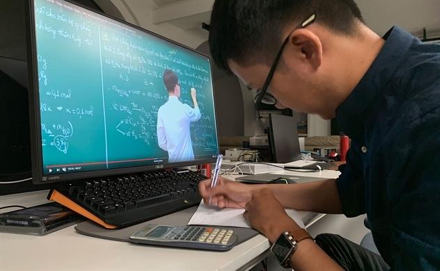 """""""Mặt trận"""" E-Learning thời COVID"""