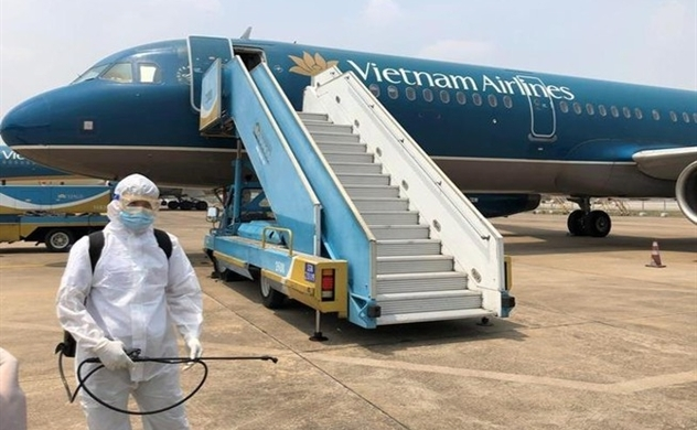 Vietnam Airlines to lose $2.12 bln in revenue, cut staff this year