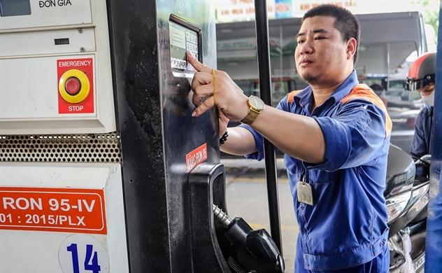 Giá xăng giảm tiếp hơn 600 đồng/lít, lần giảm thứ 7 liên tiếp