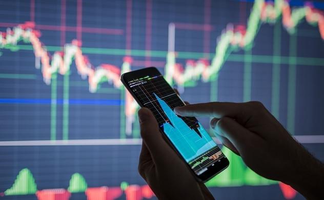 Đầu tư chứng khoán: Tự doanh cắt lỗ, ngân hàng chốt lời khủng