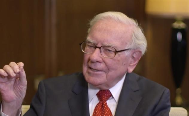 Tỉ phú Warren Buffett đưa ra 2 lời khuyên cho các nhà đầu tư trẻ