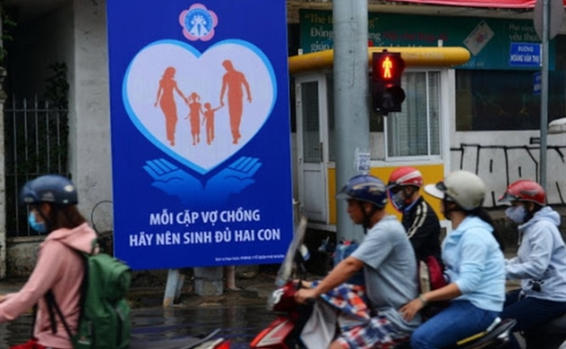 Vietnam pushes citizens getting married before turning 30, having babies
