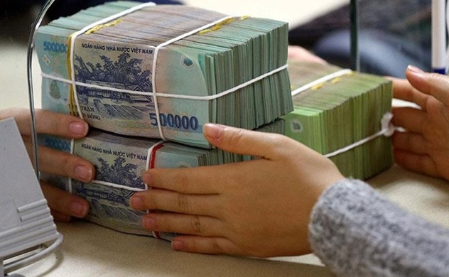 Vietnam's four-month credit growth slows to 1.32% vs 3.23%