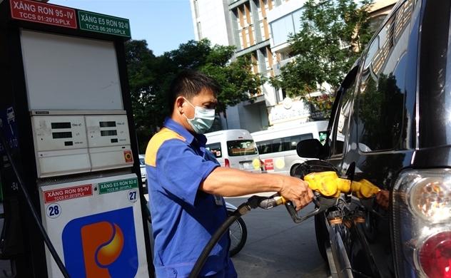 Thủ tướng yêu cầu không tăng mạnh giá xăng, chưa tăng giá điện trong năm 2020