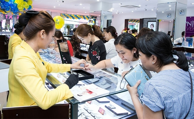 Jewelry firm PNJ expects 30% profit drop in 2020 following $3.8mln loss in April