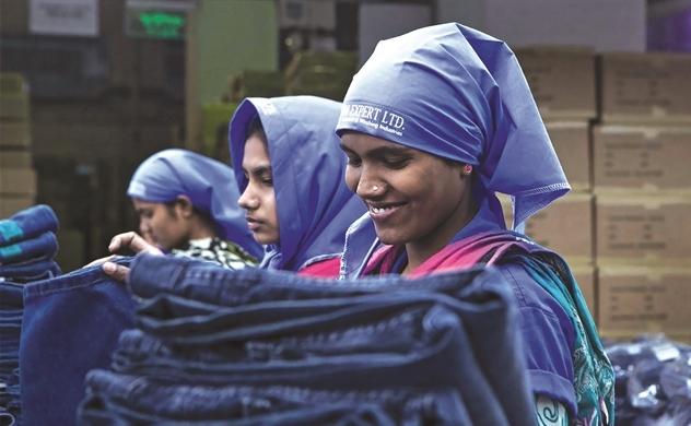 Chuỗi cung ứng thời trang thế giới vỡ trận