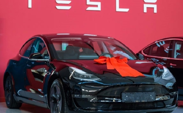 Tesla giảm giá các mẫu xe trước tác động của COVID-19