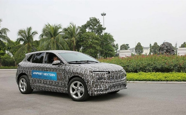 VinFast test runs electric car for launch at US show