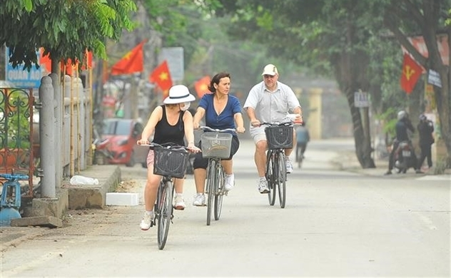 Vietnam considers opening borders to visitors from COVID-19-free countries