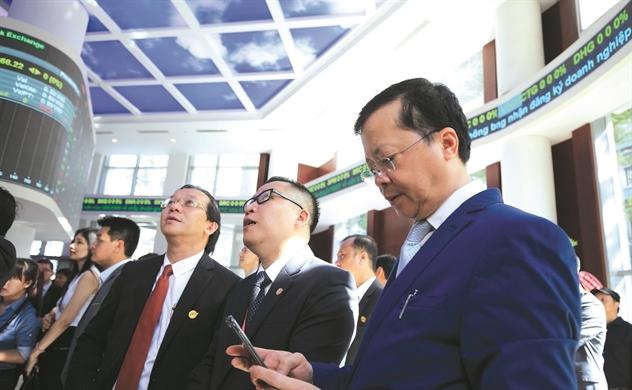 Sếp VinaCapital: Cách nào thu hút dòng vốn FII cho Việt Nam từ