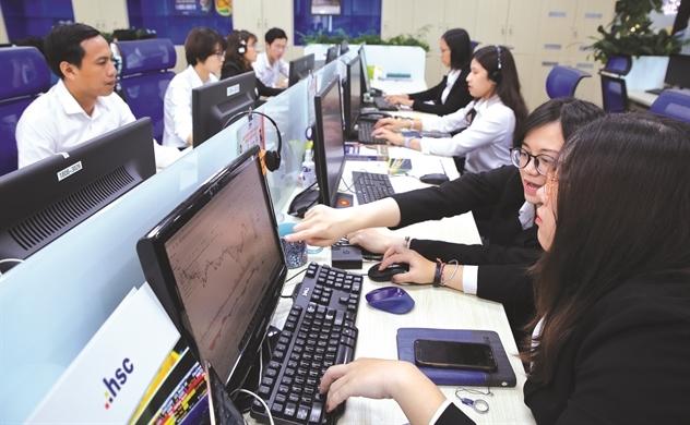 Thế giới tung 6.000 tỉ USD, vốn FII chờ trước cửa Việt Nam