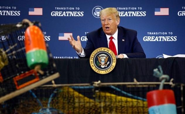 """Hàng không hạ nhiệt, Trump chuyển sang """"cuộc chiến tôm hùm"""""""