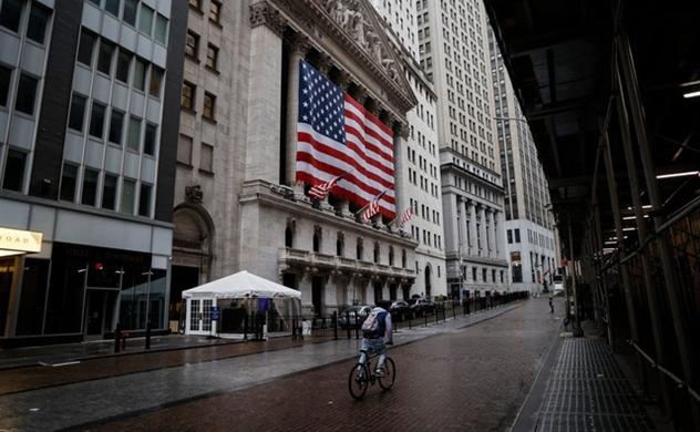 Kinh tế Mỹ chính thức suy thoái, sự sụp đổ diễn ra nhanh chưa từng có