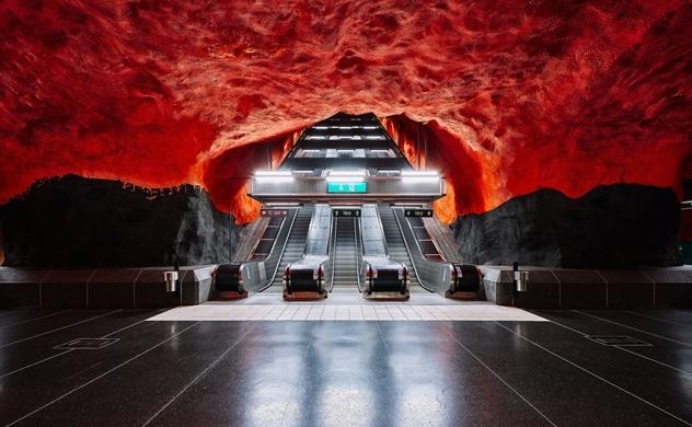 Ga tàu Thụy Điển đẹp lung linh như bảo tàng nghệ thuật