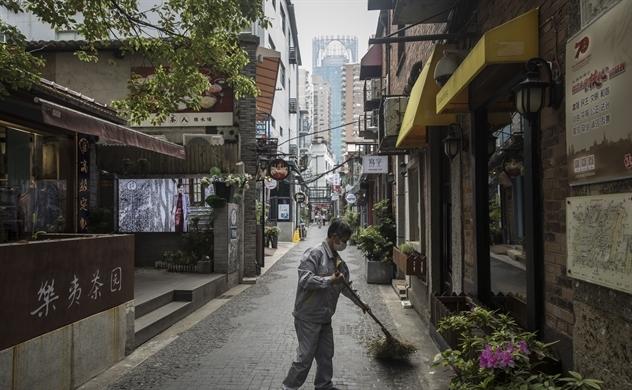 Sự phục hồi chậm của Trung Quốc thể hiện con đường gập ghềnh kinh tế toàn cầu